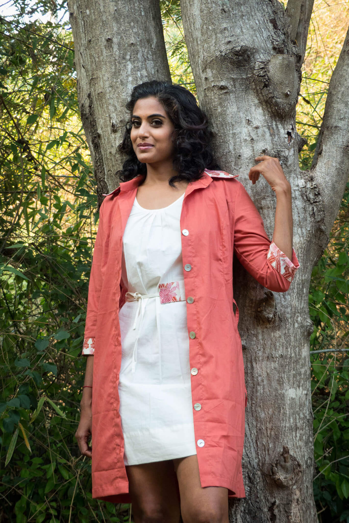 Robe tunique blanche et imprimé rose-orange - Coton bio, tissu de kimono vintage par Takla Makan slow fashion