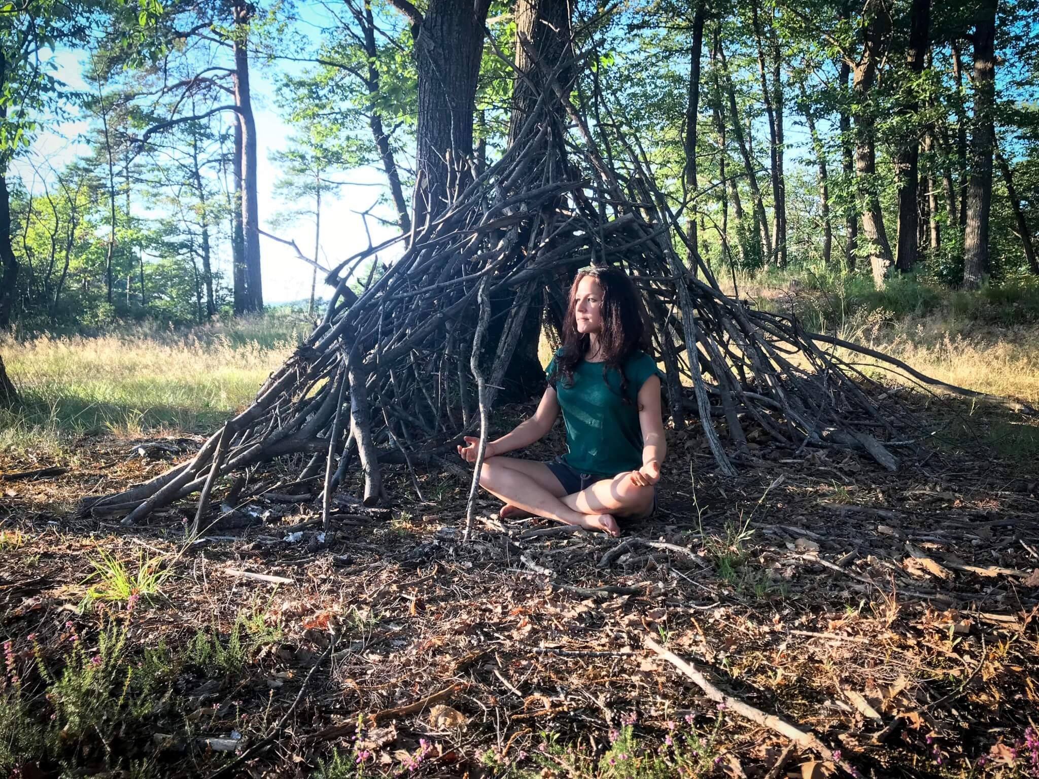 Melissa de Valera Takla Makan femme medecine holistique enseigne le yoga et la meditation